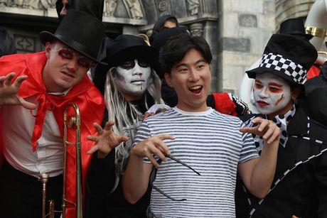 Bung no voi Le hoi Halloween tai Ba Na Hills - Anh 3