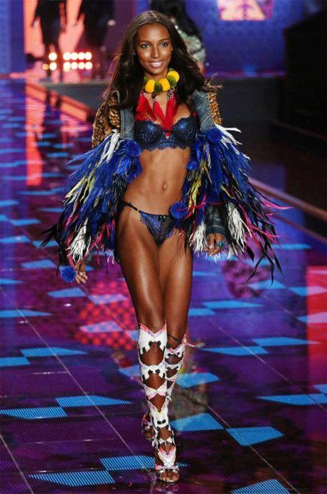 Lo dien bo bra 3 trieu USD trong Victoria's Secret Fashion show 2016 - Anh 7