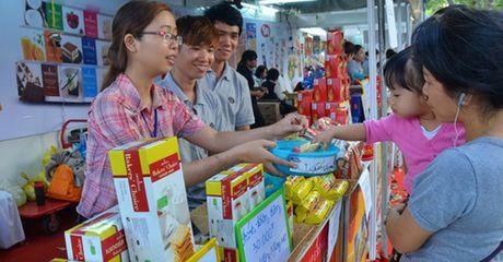 Hang Viet tray trat vao ASEAN - Anh 1