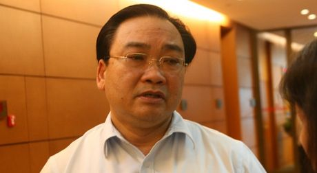 Bi thu Ha Noi: Co the phai lui thoi diem cam xe may den nam 2030 - Anh 1