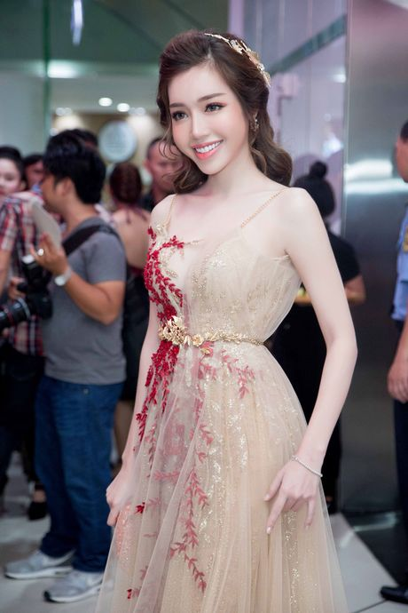 Do co the 'ti le vang' cua Elly Tran - Anh 5