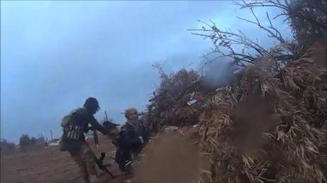 Chien binh IS ghi lai toan canh tran chien truoc khi bi ban chet - Anh 1