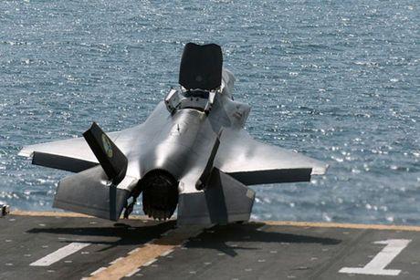 My se trien khai tau tan cong do bo cho 16 'sieu pham' F-35 o Nhat Ban - Anh 1