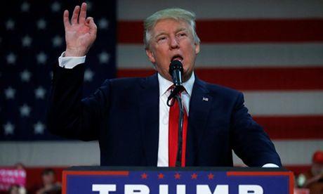 Trump chi trich Clinton, benh Tong thong Nga Putin - Anh 1