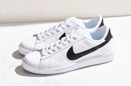 Sneaker trang - item gay nghien khong bao gio loi mot - Anh 4