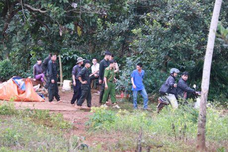 Vu no sung lam 3 nguoi chet o Dak Nong: Mot doi tuong ra dau thu, khoi to them 2 nghi can - Anh 1