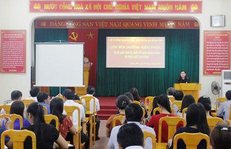 LDLD Quang Binh: Boi duong kien thuc phap luat cho can bo cong doan - Anh 1