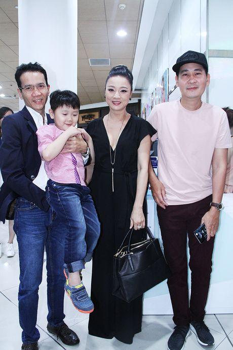 Dan sao den ung ho vai dien cuoi cung cua Minh Thuan - Anh 3