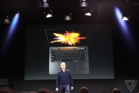 Apple ra mat MacBook Pro voi thanh cam ung da chuc nang - Anh 1