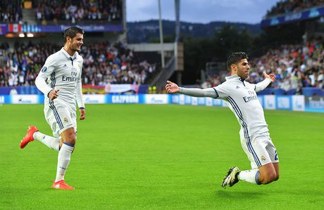 Tam tau 'MAL' lam lu mo 'BBC' o Real Madrid - Anh 1