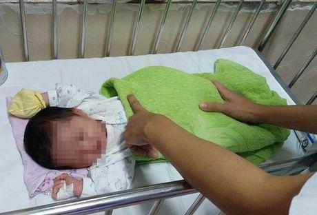 San phu am tham bo di sau khi sinh con tai benh vien - Anh 1