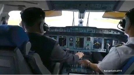 Kim Jong-un lai may bay - Anh 3