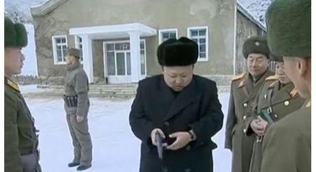 Kim Jong-un lai may bay - Anh 4