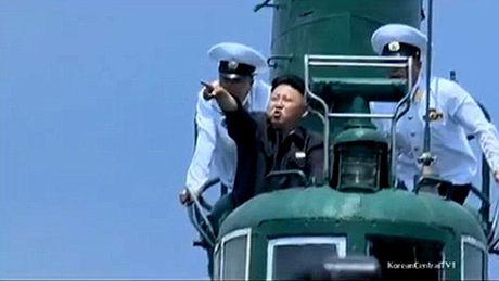 Kim Jong-un lai may bay - Anh 6