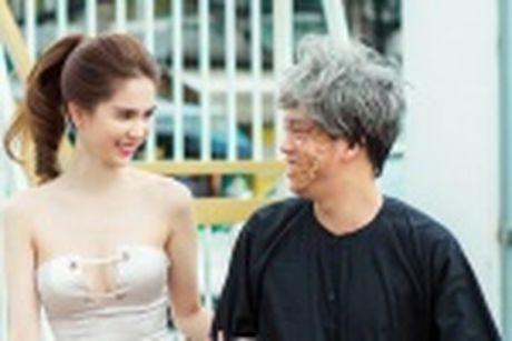 Ngoc Trinh dien bra-top tren duong pho Han Quoc - Anh 9