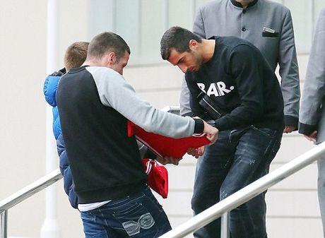 Mkhitaryan ngay cang mat tich kho hieu o Man United - Anh 1