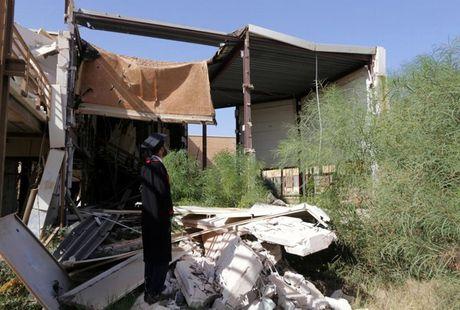 Le tot nghiep trong truong dai hoc bi danh bom o Libya - Anh 6