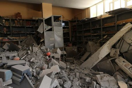 Le tot nghiep trong truong dai hoc bi danh bom o Libya - Anh 8