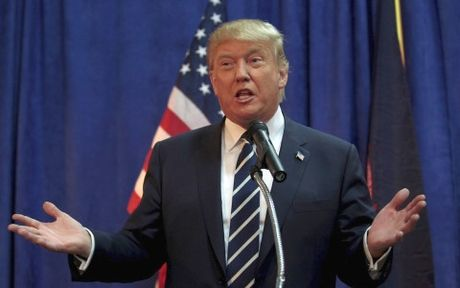 Trump chi huy dong duoc 33.000USD tien ung ho tranh cu trong thang 10 - Anh 1