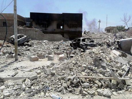 Iraq chan dung am muu tan cong thanh pho Ramadi cua IS - Anh 1