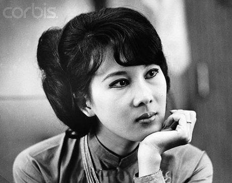 Ngam anh dep Phu nhan Pho Tong thong Nguyen Cao Ky va Tham Thuy Hang - Anh 1