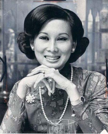 Ngam anh dep Phu nhan Pho Tong thong Nguyen Cao Ky va Tham Thuy Hang - Anh 2