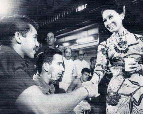 Ngam anh dep Phu nhan Pho Tong thong Nguyen Cao Ky va Tham Thuy Hang - Anh 9