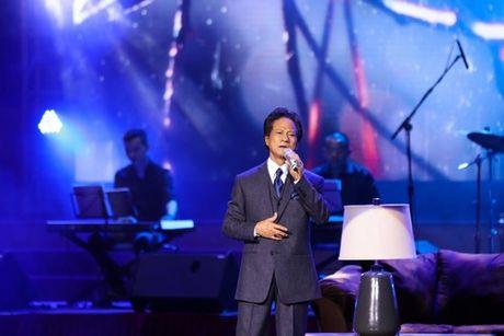 MC Ky Duyen muon lam vo thu 5 khien Che Linh 'dung hinh' tren san khau - Anh 3