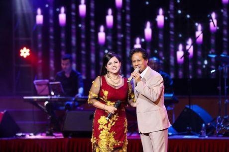 MC Ky Duyen muon lam vo thu 5 khien Che Linh 'dung hinh' tren san khau - Anh 4