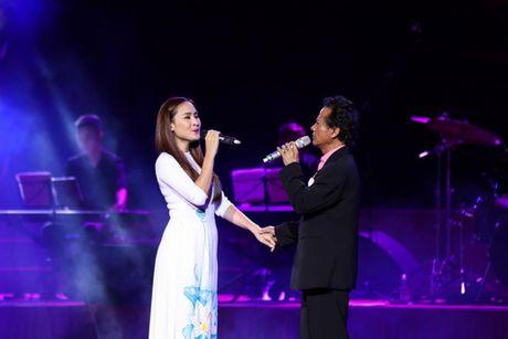 MC Ky Duyen muon lam vo thu 5 khien Che Linh 'dung hinh' tren san khau - Anh 6