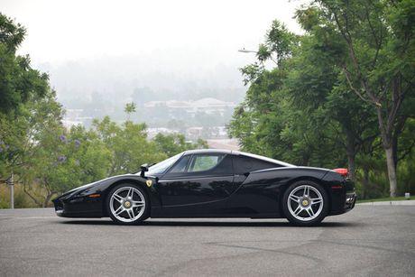 Ngam Ferrari Enzo den bong gia 75,9 ty dong - Anh 5