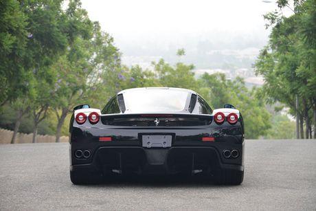 Ngam Ferrari Enzo den bong gia 75,9 ty dong - Anh 7