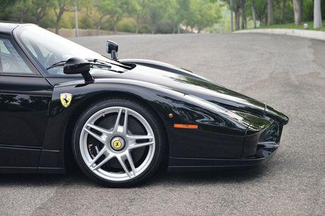 Ngam Ferrari Enzo den bong gia 75,9 ty dong - Anh 8