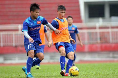 DIEM TIN TOI (29.10): Chau Au vay goi cau thu U19 Viet Nam - Anh 1
