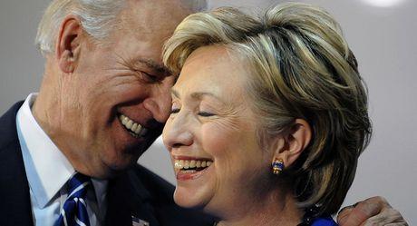 Ai se lo doi ngoai neu ba Clinton dac cu tong thong My? - Anh 1
