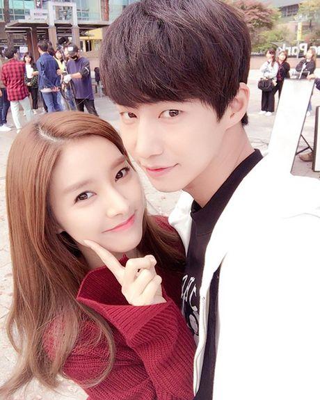 Sao Han 29/10: Seol Hyun hoa meo de thuong, Jessica di shopping sang chanh - Anh 7