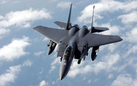 Chien dau co F-15 Eagle 'thong tri' bau troi suot 30 nam - Anh 2