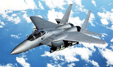 Chien dau co F-15 Eagle 'thong tri' bau troi suot 30 nam - Anh 3