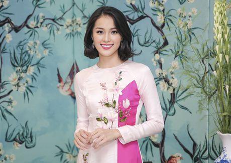 'Nang Tam' Ha Vi than thiet ben Pham Huong - Anh 5