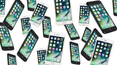 Trung Quoc: 20 ban trai, 20 chiec iPhone va cach co gai nay mua nha - Anh 1