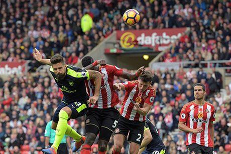 Sanchez toa sang, Arsenal tam vuon len dau bang - Anh 2
