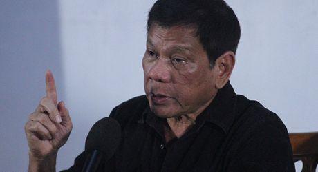 Tong thong Philippines tuyen bo Chua bat ong ngung chui the - Anh 1