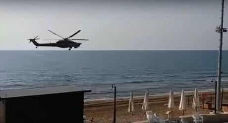 Phat hien 'truc thang tuyet mat cua ong Putin' tren bau troi Syria? - Anh 1