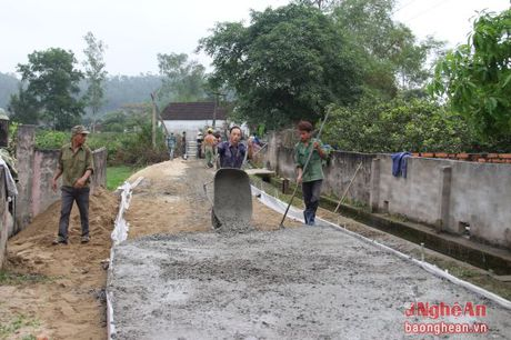 Ong Ho Xuan Hung: Can can doi trong phat trien cac vung mien khi xay dung NTM - Anh 2