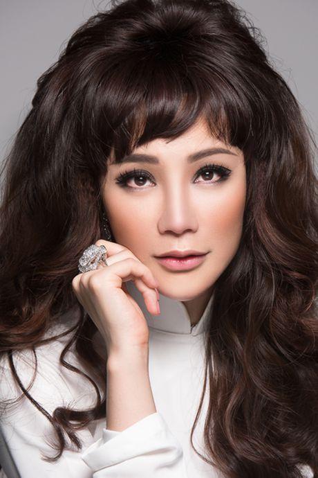Ho Quynh Huong: 'It dan ong chap nhan cuoc song khac thuong cua toi' - Anh 1