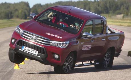 Toyota Hilux 2016 de lat khong khac gi Fortuner - Anh 1