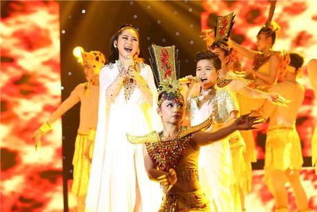 Ngoi ghe HLV, Noo - Nhi - Thang - Tuong da lam duoc gi cho The Voice Kids? - Anh 2
