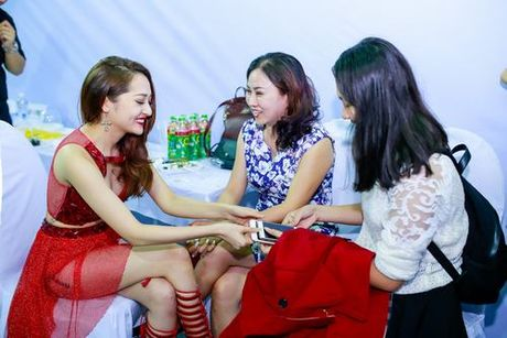 Ban co biet nhung 'canh tay phai' dac biet nay cua sao Viet? - Anh 3