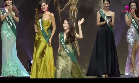 Miss Earth 2016: Nam Em truot mat tam ve vao top 4 trong tiec nuoi vi loi cua… phien dich? - Anh 10