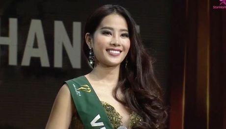 Miss Earth 2016: Nam Em truot mat tam ve vao top 4 trong tiec nuoi vi loi cua… phien dich? - Anh 1